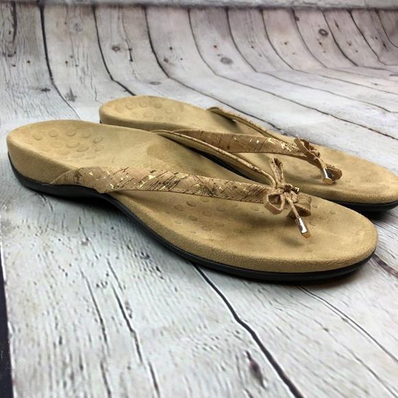 94facfc825ae Vionic Bella II Flip Flop Orthopedic Sandal Size 9.  M 5c7e1ea8aaa5b8f57c8d482e